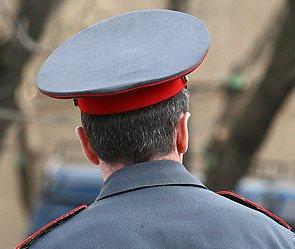 В Москве водитель джипа избил милиционера