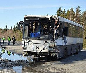 Под Вологдой дети разбились в автобусе