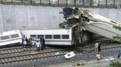В Испании разбился поезд с людьми