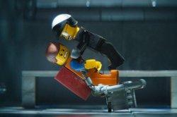 Мультфильм «Лего: Фильм» сохранил лидерство