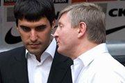 Этой ночью Ринат Ахметов и Николай Левченко общались с протестующими