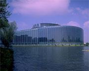Европарламент призвал исключить Россию из SWIFT