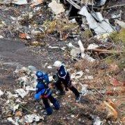 Причина падения самолета A320 во французских Альпах остается невыясненной
